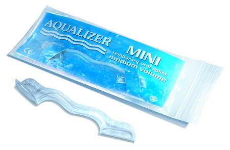 AQUALIZER Oral Splint MINI - samodopasowująca szyna łagodząca bóle skroniowo-żuchwowe, rozmiar MEDIUM 2 mm