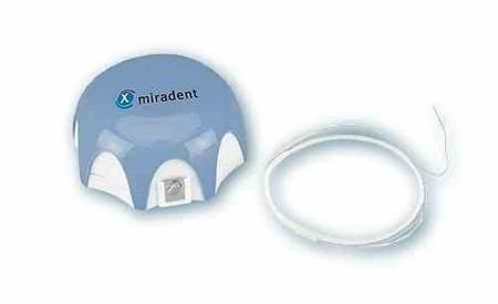 MIRADENT Mirafloss Implant CHX śr.2,2mm (niebieska)  - antybakteryjna puszysta nitka dentystyczna na rolce, 50 sztuk